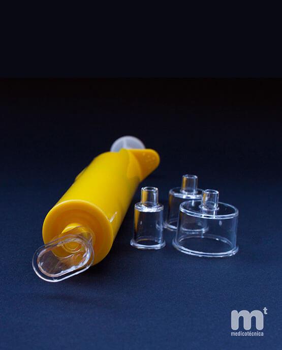 Jeringa de succión para cicatrices con cabezal de base cilíndrica